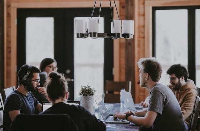 Como fazer uma reunião produtiva com a equipe de trabalho?